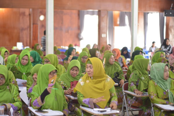 "PPMNU & YAICI ""Sosialisasi cerdas memilih pangan anak dengan  bijak menggunakan  (SKM) di Lampung"