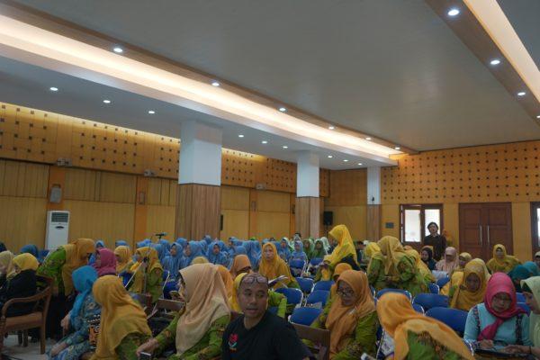 Edukasi Pangan Sehat dan Gizi Seimbang untuk Membangun Generasi Emas 2045